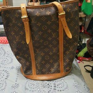 VINTAGE Louis Vuitton GM Bucket Bag